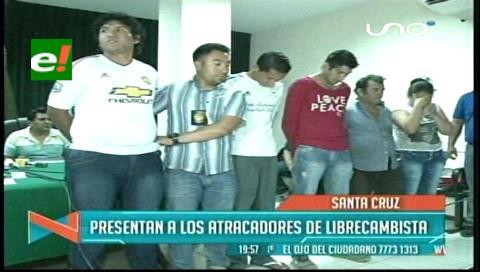 Presentan a presuntos atracadores de una librecambista y de un restaurante