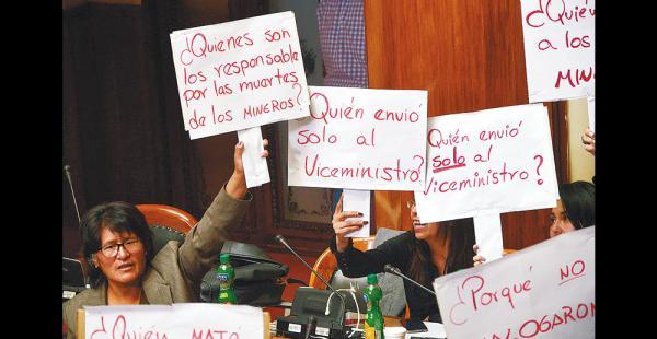 La bancada opositora en la Asamblea Legislativa cuestionó ayer a las autoridades de Gobierno durante la interpelación por el conflicto minero