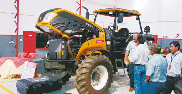 Tractores de última tecnología (Generación 3) llamaron la atención