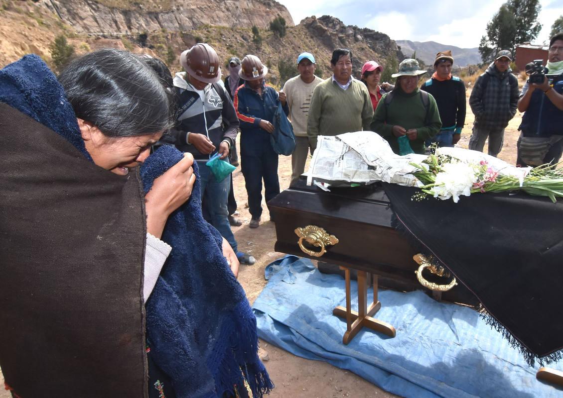 Resultado de imagen para minero muerto en cochabamba