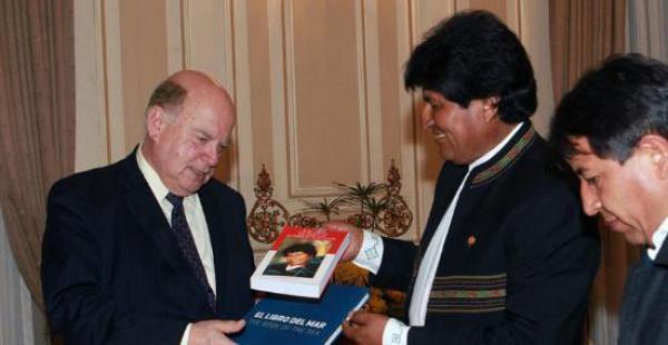 El primer mandatario lamentó que el exSecretario General de la OEA no recuerde sus compromisos con Bolivia sobre el mar.