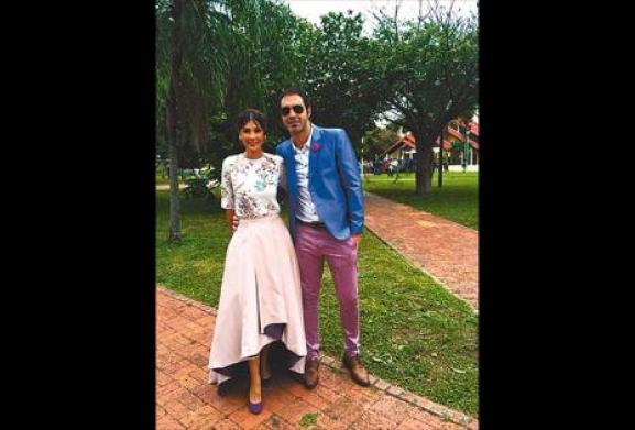 """Lisbeth Aranda y Alejandro Delorte . Enamoran hace dos años y medio. Su primer contacto fue por redes sociales, tenían muchas cosas en común. Se vieron por primera vez en Bolivia y ahí fue el flechazo. """"Lo más complicado al inicio es que él vivía en Argen"""
