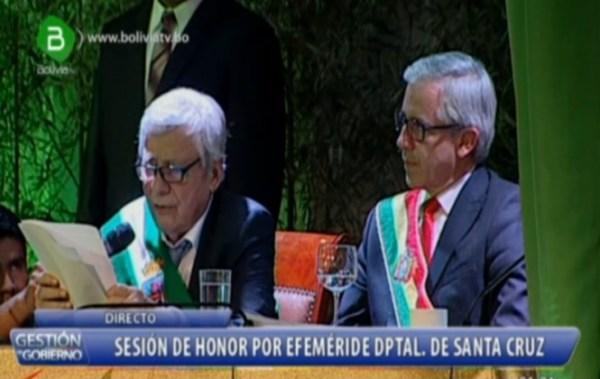 """Percy Fernández dice que le """"chupa las medias"""" a García Linera al pronunciar inconexo discurso"""