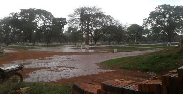 El aguacero humedeció y refrescó la calurosa jornada que se vivía en San Ignacio de Velasco