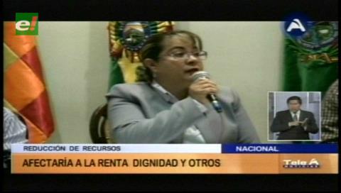 Gobernación de La Paz: Disminución del POA 2017 afectará la renta Dignidad