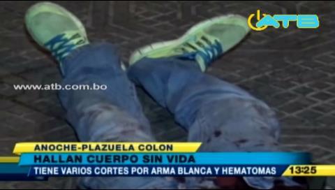 Hallan un cuerpo sin vida en la plaza Colón de Cochabamba