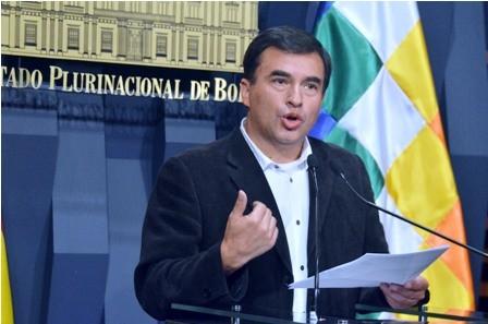 Ministro-Quintana-bajo-las-criticas-y-denuncia