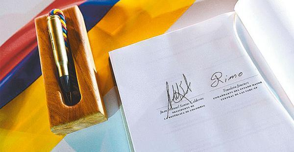 momento histórico las firmas largamente esperadas en américa El documento que suscribieron el presidente Juan Manuel Santos y Timochenko Jiménez de las FARC