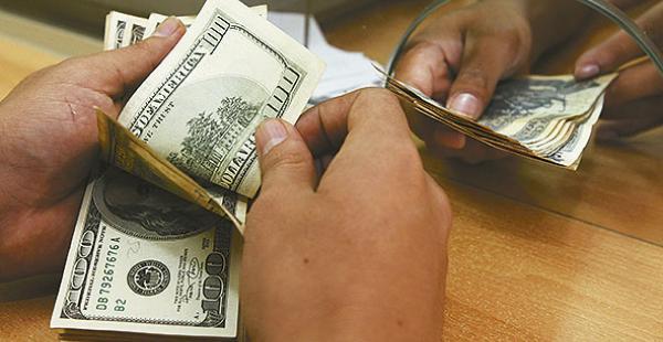 El Ejecutivo habla de la deuda