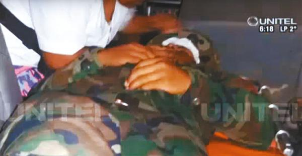 Un oficial grabó la emboscada que sufrieron por parte de supuestos campesinos; fue divulgada por la TV