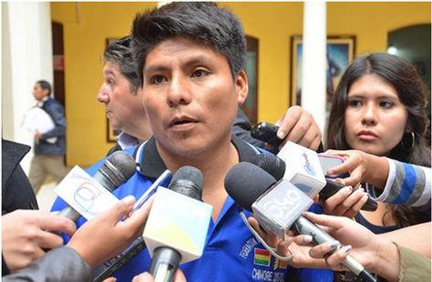 El dirigente Leonardo Loza en Palacio de Gobierno