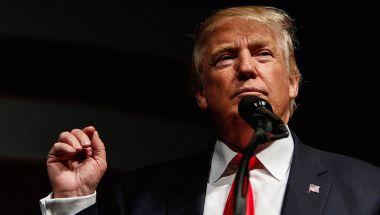 El candidato republicano a la presidencia de EE.UU., Donald Trump, en un mitin en Bangor, Maine, el 15 de octubre de 2016. (Crédito: Sarah Rice/Getty Images).