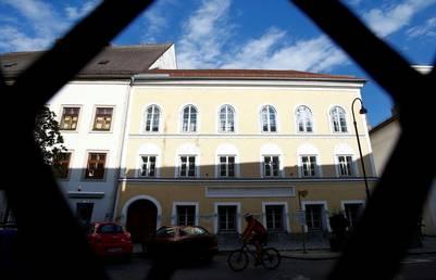 La casa donde nació Adolf Hitler en Austria será expropiada a su dueña actual y posiblemente demolida. / reuters