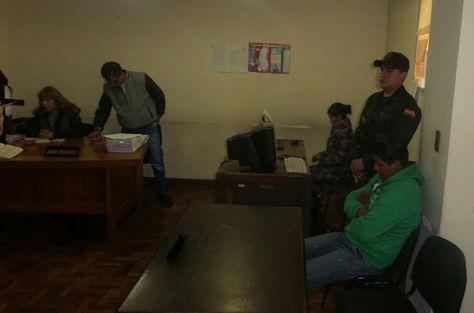 El sindicado por la muerte de Rodolfo Illanes, Ángel Aparaya en la audiencia de medidas cautelares en El Alto. Foto: Dennis Luizaga