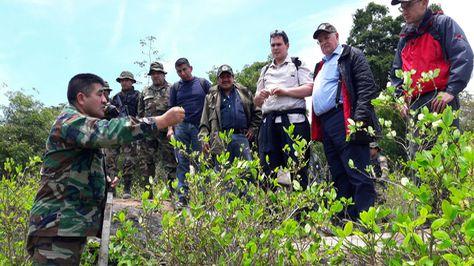 La delegación de la JIFE y autoridades nacionales en el Parque Nacional Madidi