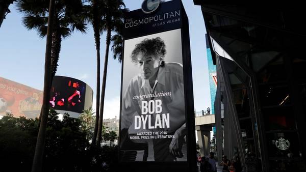 Concierto. La noche del Nobel Dylan tocó pero no habló del premio. /AP