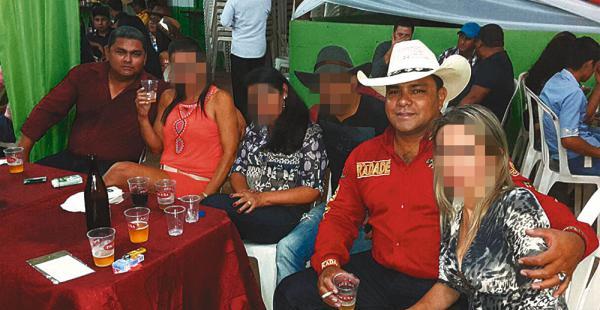 Los hermanos Castedo Aranda en vida (Sergio de con sombrero blanco y Julio al fondo)