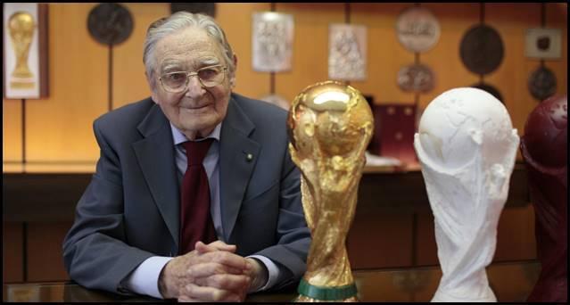 Resultado de imagen para Murió el diseñador del trofeo del Mundial de fútbol