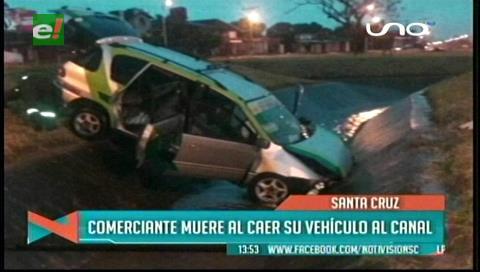 Comerciante muere al caer su vehículo a un canal de drenaje