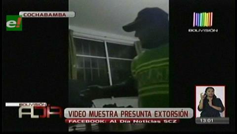 Filman supuesta extorsión de policías en Villa Tunari