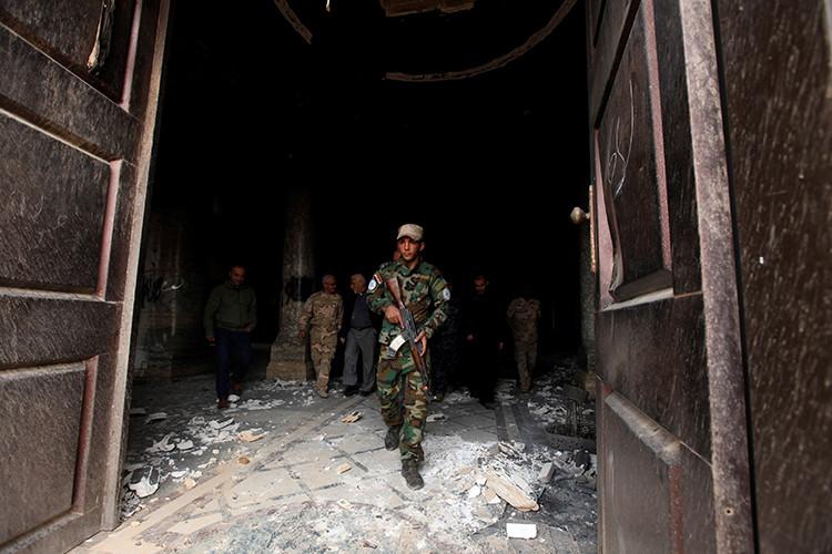 Soldado iraquí durante la operación contra el EI en Mosul