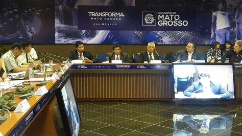 La reunión de la misión boliviana con las autoridades del estado de Mato Groso que trató el crimen en la frontera.