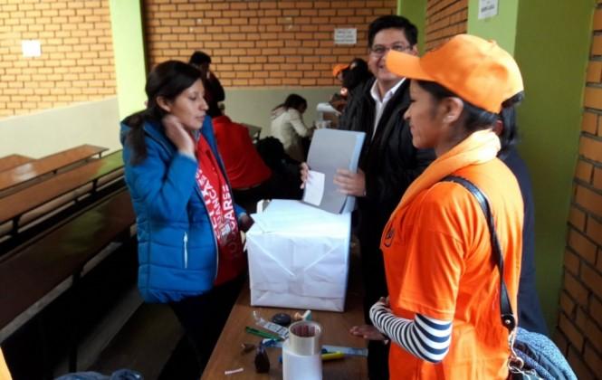 Elecciones en la UMSA se llevan adelante con presencia policial, suspensión de clases y largas filas