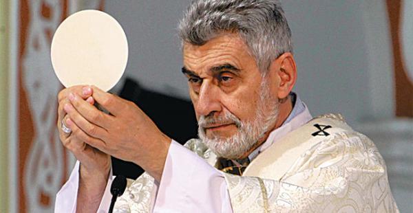 Monseñor Sergio Gualberti envió un mensaje referido a las denuncias de corrupción que aquejan al país