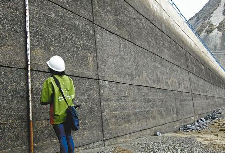 El límite del agua en las represas de La Paz se encuentra en su nivel más bajo de los últimos años