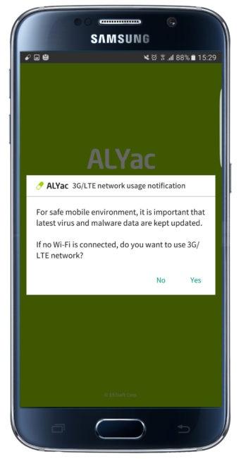 Permiso Con el paso del tiempo y la instalación de aplicaciones (y el uso diario), los dispositivos Android no funcionan exactamente igual que el primer día que se sacó de la caja. Si no se desea reiniciarlo de fábrica, lo más recomendable es utilizar un desarrollo que permita tenerlo perfectamente a punto para cuando sea necesario dar uso al teléfono o tablet. Una de las que merece la pena probar es ALYac. Esta es una aplicación que lo que busca es revisar los apartados más importantes que son de la partida en un terminal Android, como por ejemplo el uso de la memoria o el buen funcionamiento de los desarrollos que lo tienen instalados. De esta forma, lo que se consigue es que el dar uso a un smartphone con el trabajo de Google se consigue siempre tener la mejor experiencia de uso. Que no es poco, la verdad. Es importante indicar que es necesario dar acceso a varios apartados a ALYac, por lo que esto no debe ser algo que cause rechazo, ya que si no se proporciona la que tiene que ver con el almacenamiento, por poner un ejemplo, es imposible conseguir una optimización adecuada. Eso sí, con muy buen criterio los creadores de esta aplicación preguntan si se desea dar uso al soporte en la nube que ofrecen mediante el uso de datos, ya que esto hace que se consuman megas. Lo ideal, si no se es muy exigente, es dejar solo la WiFi. Un buen detalle de ALYac es que se integra en la barra de accesos rápidos, justo debajo, un acceso a las opciones que son de la partida en el trabajo del que estamos hablando. Aquí es posible desde iniciar un escaneo del terminal en cuestión e, incluso, encender el flash trasero a modo de linterna -esto es de gran ayuda si el modelo que se tiene no ofrece esta posibilidad-. El caso, es que el manejo se realiza sin especial complicación.