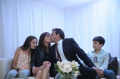 Massa, Malena Galmarini y sus hijos, en el cierre de la campaña presidencial.