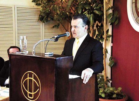 Ronald Nostas en su discurso. Foto: Ignacio Prudencio