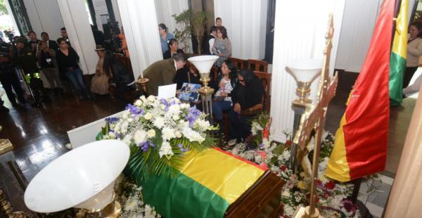 Autoridades cargaron sus restos y aún se investiga el hecho de tránsito que acabó con su vida.