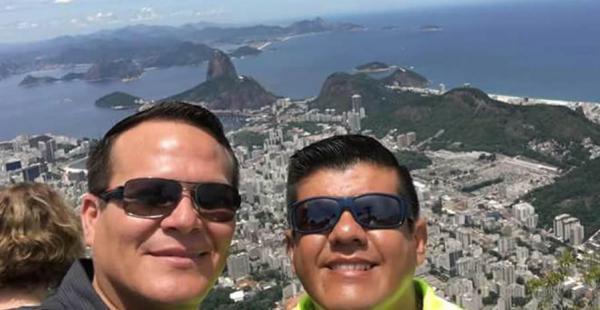 El piloto Micky Quiroga (izq) y David Vacaflores formaban parte de la tripulación