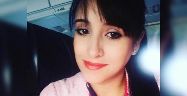 La asistente de vuelo fue hallada con vida por los equipos de rescate
