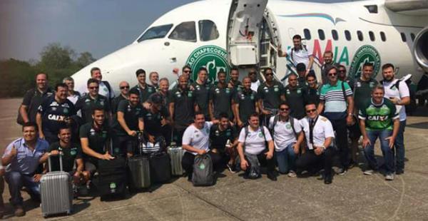 La aeronave partió desde el aeropuerto Viru Viru hacia Medellín donde se estrelló antes de aterrizar en un cerro