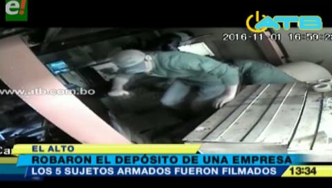 5 delincuentes roban en una empresa en El Alto