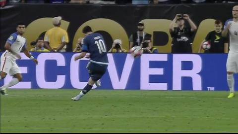 Un tiro libre de Lionel Messi con la selección, nominado al premio Puskas de la FIFA como mejor gol de año