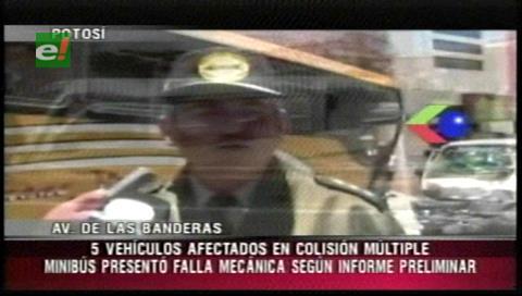 Potosí: Múltiple colisión de automóviles cerca de la terminal deja heridos
