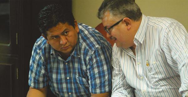 El acusado Wilson Arévalo (izquierda), juez de Montero, en plena audiencia cautelar
