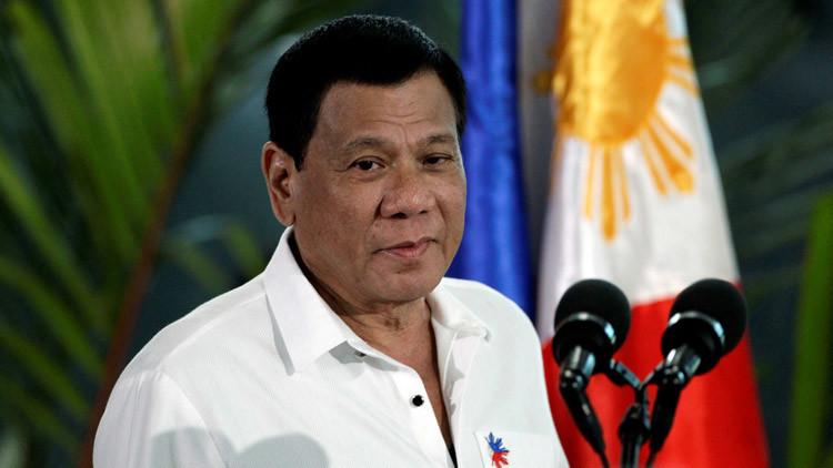 El presidente filipino, Rodrigo Duterte, cerca de Parañaque, Filipinas, 13 de diciembre de 2016