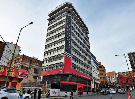 Edificio central de YPFB Corporación, ubicado en la calle Bueno. Foto: Archivo