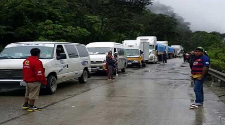 Resultado de imagen para accidente de tránsito en Llavini, en el camino a La Paz y Oruro, i