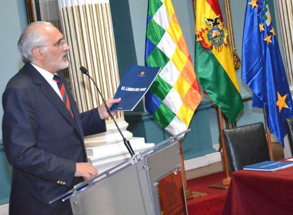 CARLOS MESA, REPRESENTANTE OFICIAL DE LA DEMANDA MARÍTIMA EXPONE LOS ALCANCES DE LA MEMORIA MARÍTIMA PRESENTADA ANTE LA CORTE DE LA HAYA.