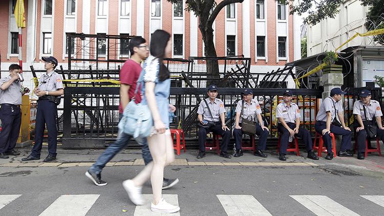 Taiwán: Un desfile nazi de una escuela provoca un escándalo internacional (VIDEO)