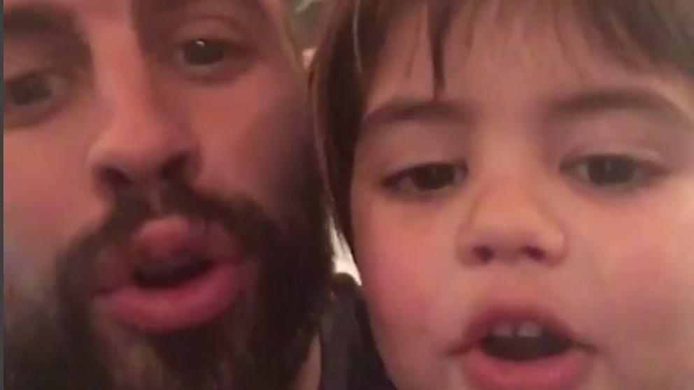 Gerard Piqué enseña cánticos del Barça a su hijo Milan