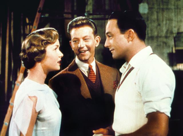 Debbie Reynolds junto a Gene Kelly y Donald O