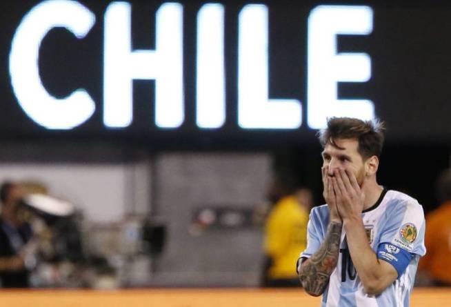 Messi amenazó con abandonar la selección argentina tras caer en la final de la Copa América Centenario (EFE)