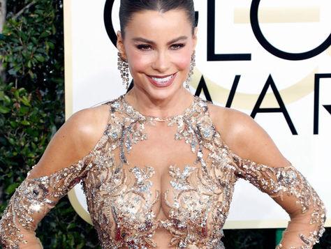 Sofia Vergara a su llegada a la 74 entrega annual del Golden Globe Awards