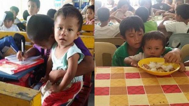 Los hermanos juntos en la escuela luego de perder a su madre